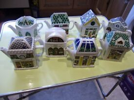 Collectible tea pots x 8, all in very good condition