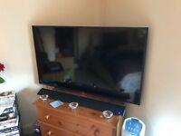 Technicka 50'' Tv with Technicka aux/Bluetooth soundbar