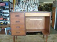 Small Sewing Machine table / desk