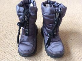 Infant size 6 (23) Romika snow boots