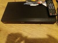 LG Blu-Ray DvD Player Never Used!!! accessories included!!!