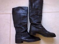 Black boots size 6 leather
