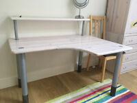 Bedroom Desk - Tots to Teenagers