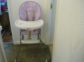 LII;AC/WHITE HIGH CHAIR