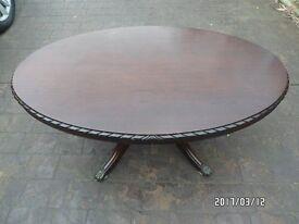 Mahogany type oval coffe table