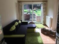 Beautiful large double bedroom, 5min walk to Uni and Surrey County Hospital, 2 min walk Tesco24h