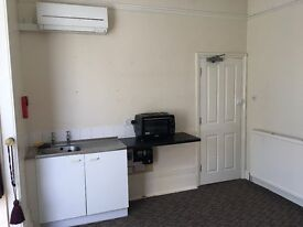 One bedrooom town centre flat with parking