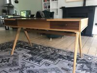 Contemporary desk from MADE