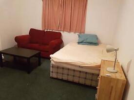 2 Bed flat Sarisbury Green