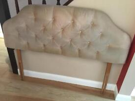 Cushioned headboard for double bed