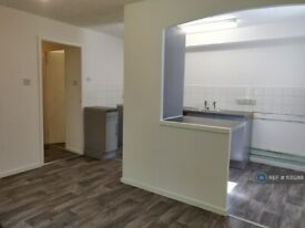 1 bedroom flat in St. Michaels Mews, Tividale, Oldbury, B69 (1 bed) (#1135288)