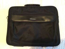 Unused slimline black VIVANCO laptop case