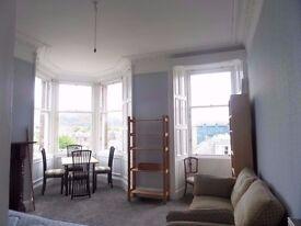 3 Bedroom FESTIVAL Apartment on Mayfield Road, Edinburgh (90)