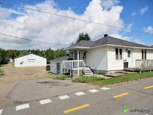 550 000$ - Entrepôt à vendre à St-Donat
