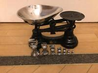 Vintage style kitchen scales black and chrome silver