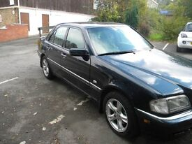 Mercedess C200 Elagance Auto Petrol, black 1999 Alloy wheels