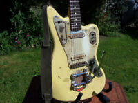 FENDER JAGUAR RELIC electric guitar with Bigsby style tremolo, Fender locking tuners