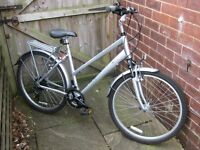 Revolution Pathfinder Women's 2011 hybrid bike ... with pannier rack and kick stand ... hardly used