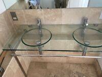 Bathroom skink glass
