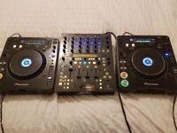 Pioneer CDJ 1000 MK3 PAIR & Behringer DDM4000 mixer