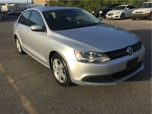 2013 Volkswagen Jetta COMFORT LINE WITH SUNROOF (WE APPROVE EVER