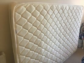 *LIKE NEW* Double size Spring Memory Foam Mattress - *RRP £110*