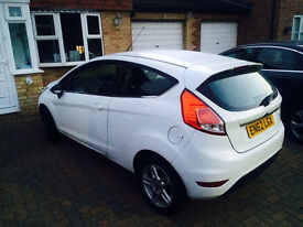 Ford Fiesta 2013 1.25L Zetec - 1 Owner - Full Service History - Bluetooth/MP3/USB - Alpine White