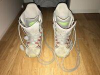 Ladies burton snowboarding boots