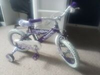 Girls bike suitable for ages 3+