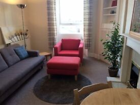 Bright and Sunny, Furnished 1 Bed Top Floor Flat - Iona Street - Available 05 May 2018