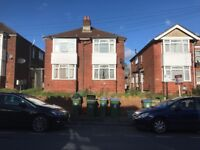 2 Bed Flat Broadlands Road **Available 20/02/2018** With Garden