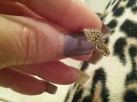 9CT GOLD DIAMOND CLUSTER RING £60 ONO