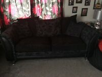 3 and 2 seater sofa set black with patterns