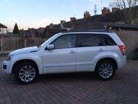 2013 grand Vitara 5 door 1.9 DDIS White fully loaded and leather interior.