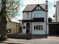 FOR SALE -SUPERBLY PRESENTED 4 BED DETACHED HOUSE - GP:£425,000-£450,00 - GRAVESEND, KENT
