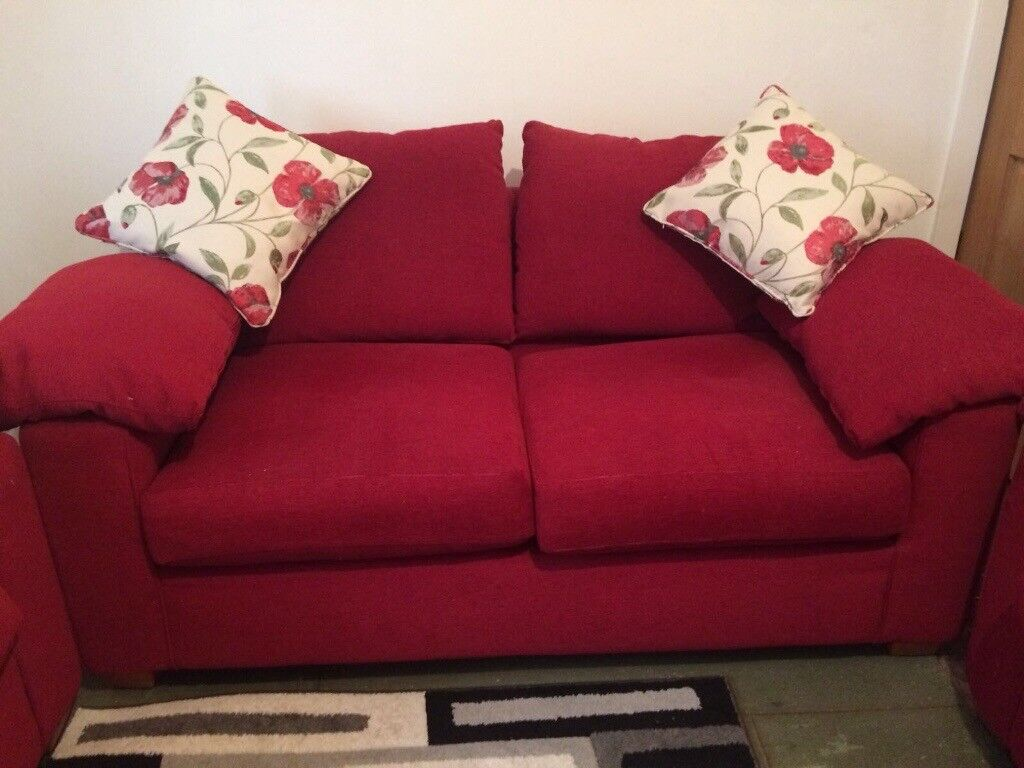 3x 2seater sofas. £100. Good condition from Smoke and pet free home. Collection only.