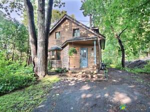 697 500$ - Maison 2 étages à vendre à Pointe-Claire