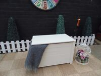 SOLID PINE BLANKET BOX PAINTED WITH LAURA ASHLEY '' PALE TWINE'' VERY SOLID BOX