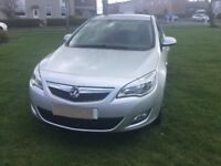 Vauxhall Astra 1.4 Exclusive 2011-Petrol. Great condition inside and out