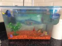 Finding memo fish tank with 3 fish
