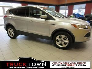 2016 Ford Escape STUNNING 4WD LOADED WITH FEATURES!