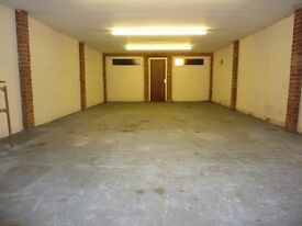 A secure garage/store to let in a safe resedential rd whymark ave of Wood Green high Rd N22.