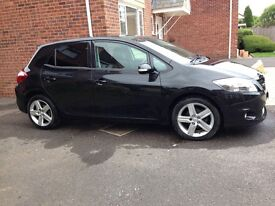 Toyota Auris SR V-Matic 1.6 Manual Low Mileage 32,400 Petrol MOT Feb'17 very good Condition £5,500