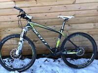 Scott Scale 10 Pro Carbon Fibre hardtail Mountain Bike
