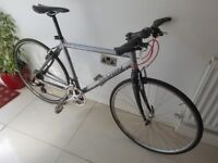 Marin. Lucas Valley *RRP £850* 19 inch Hybrid Bike.*CARBON Forks and Seat Stay*