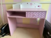 Child's desk and chaor