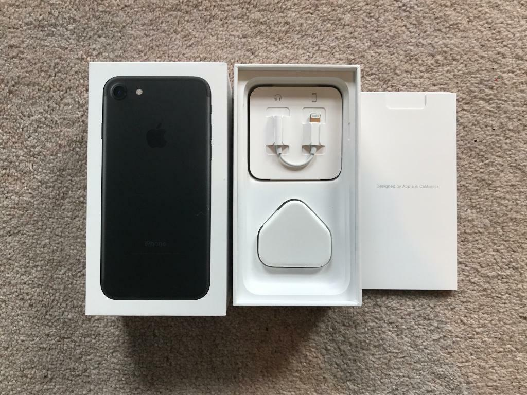 Iphone 7EE 128gbin Swindon, WiltshireGumtree - I am selling my iPhone 128gb in Matte Black.Ive upgraded to the bigger iPhone 7 Plus.The phone is in good condition and comes fitted with a screen guard (which can be easily removed).The phone comes boxed with all original accessories and with a...