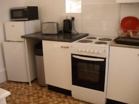 Single furnished semi-studio in Willesden Lane with separate kitchen