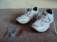 READERS CRICKET SHOES SIZE 5