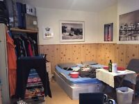 s, WILLESDEN GREEN , MASSIVE DOUBLE WITH SOFA AVAILABLE RIGHT NOW!!!